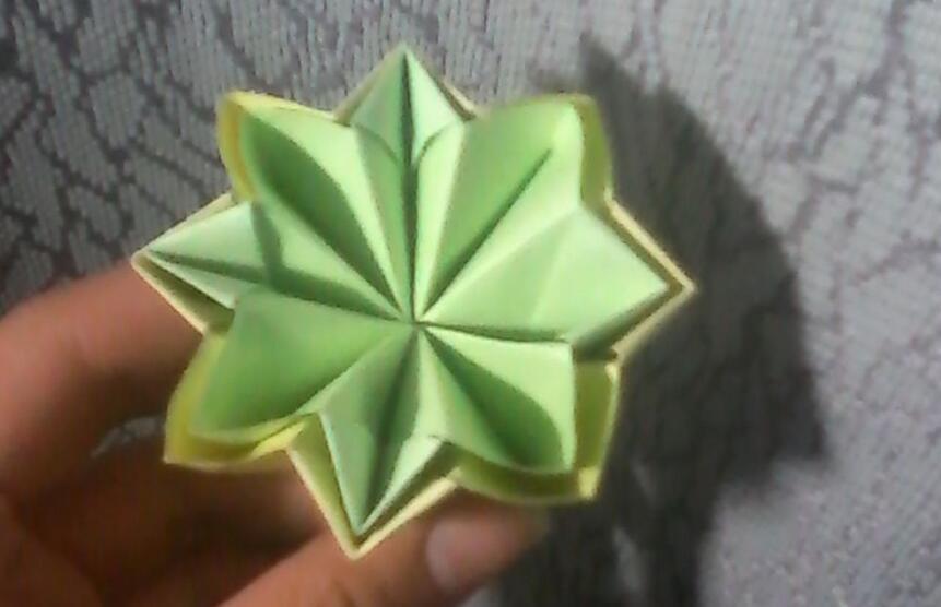漂亮简单的纸花折纸步骤图