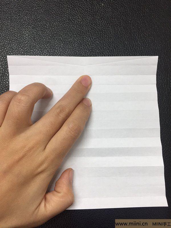 红掌花折纸教程 第8步