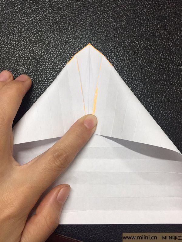 红掌花折纸教程 第17步