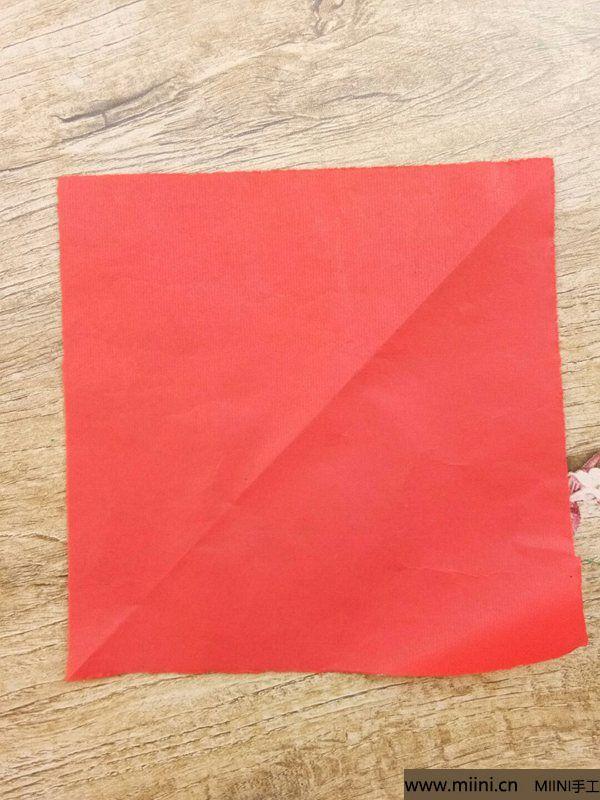 折叠剪纸 第1步