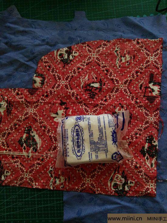 diy透气的纱布口罩 第1步