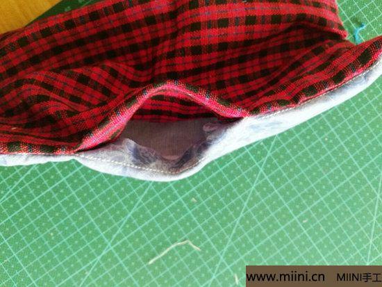 diy透气的纱布口罩 第7步
