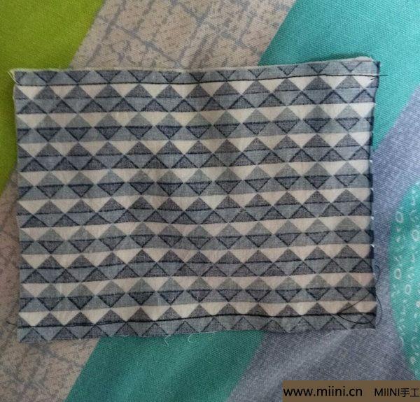 口罩的手工制作方法 第5步