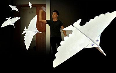 折纸纸飞机,用力放飞出去还会转一圈飞回来