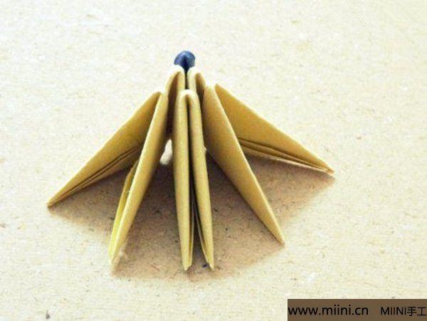 三角插折纸鱼教程 第12步