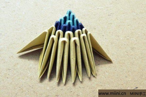 三角插折纸鱼教程 第17步