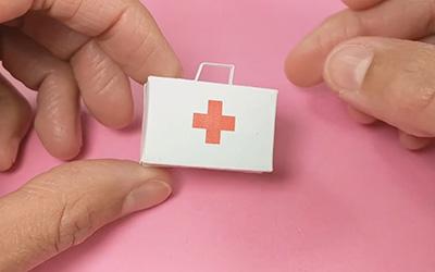 折纸医疗箱,致敬白衣天使抗击冠状病毒