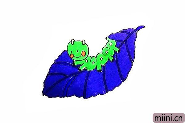 12.最后给叶子毛毛虫涂上漂亮的颜色吧。