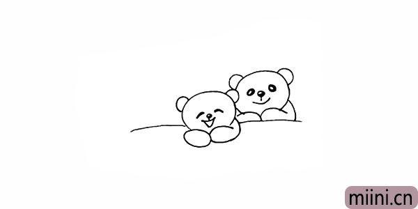 7.同样的画法.画出另一旁的熊爸爸。