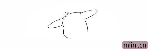 2.在头部两侧画出皮卡丘长长的耳朵。