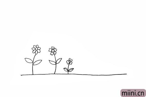 6.再画出一朵较小一些的小花。