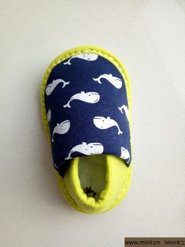 婴幼儿防滑软底鞋