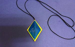 蓝色之泪折纸吊坠,简单又好看的折纸宝石