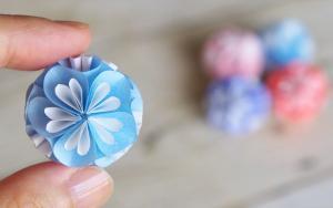 圆溜溜的折纸花球,放在手心太美了