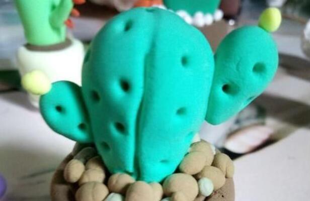 小学生喜欢超轻粘土制作仙人掌教程