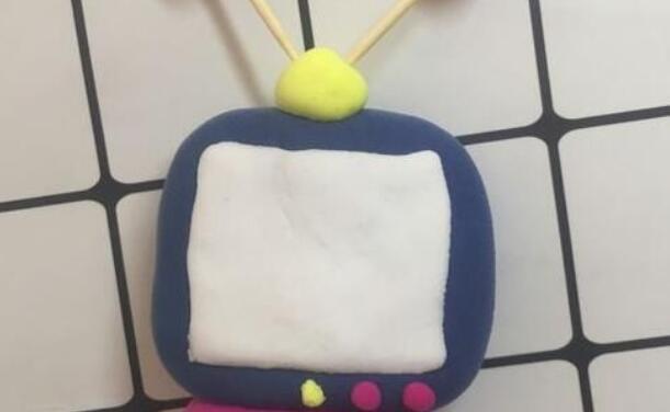 儿童手工,超轻粘土制作老式电视机步骤教程
