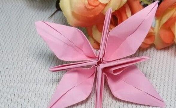 儿童折纸教程,漂亮小花的折法