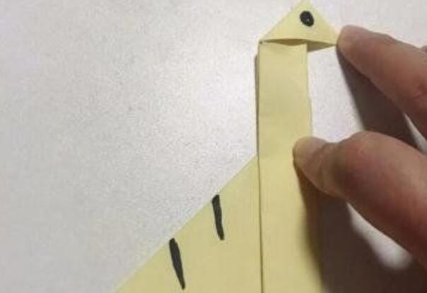 腕龙的折纸步骤教程