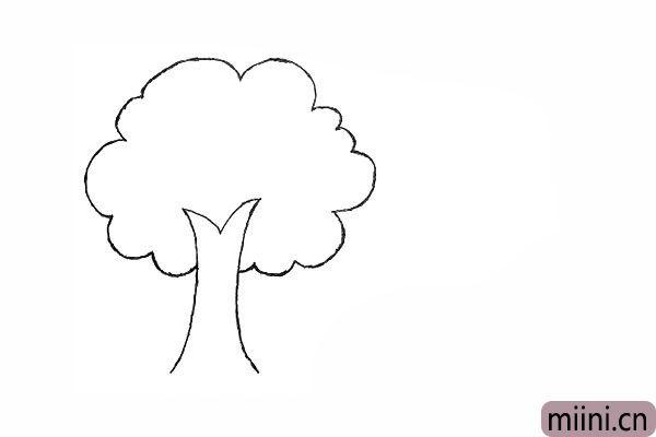 2.在用不规则的波浪线勾落出树冠。