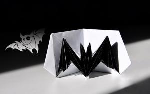 一个可以飞的立体蝙蝠折纸教程