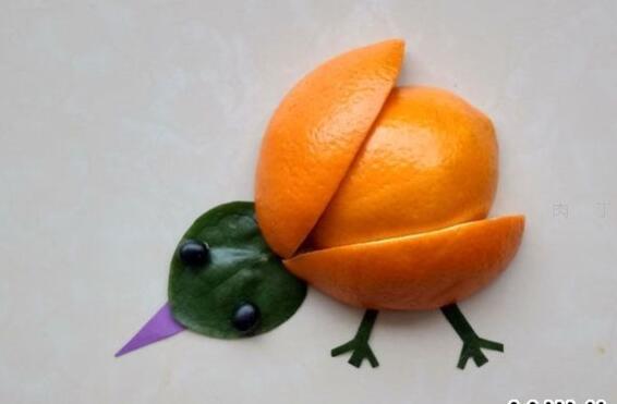 简单又好看的水果拼盘,橙子小鸡拼贴画
