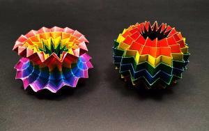 可随意揉捏翻转的折纸彩虹魔法球