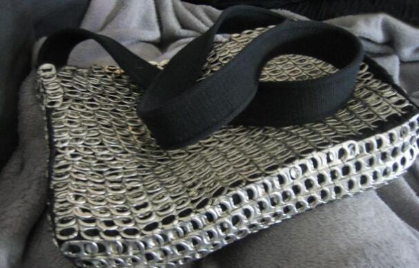 易拉罐拉环制作超级时尚的手工包包(含制作图纸)