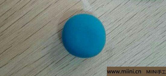 蓝色小猫咪挂件粘土教程 第2步