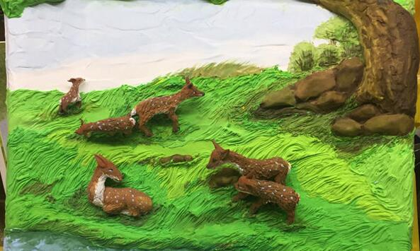 欢快的奔跑小鹿粘土画制作步骤