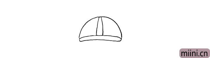 1.先画出小狗的头盔.注意头盔的形状。