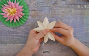 手工折纸莲花,简单好看