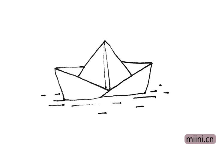 5.还能在折纸船下面画上一点短横线的水纹。