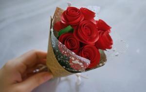 好美丽的折纸玫瑰花束步骤教程
