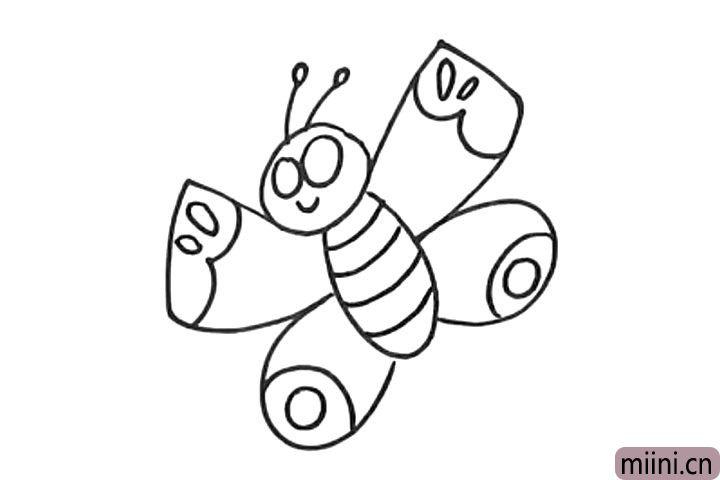 6.画蝴蝶翅膀和身体上的花纹。