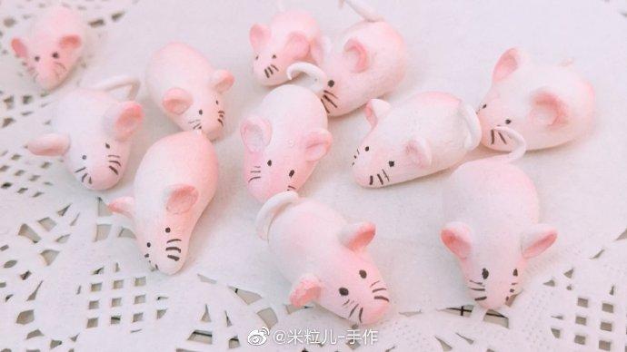 粉色的粘土小老鼠玩偶做法