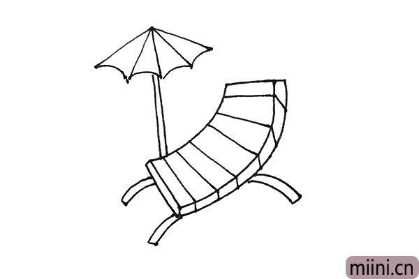 6.放射线中间用弧线连接,下面再画上竖线作为伞柄。