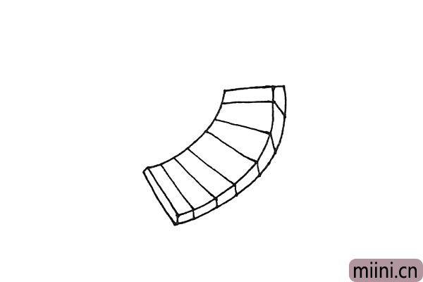 3.接着在里面画上一条条的线,注意侧面要竖下来。