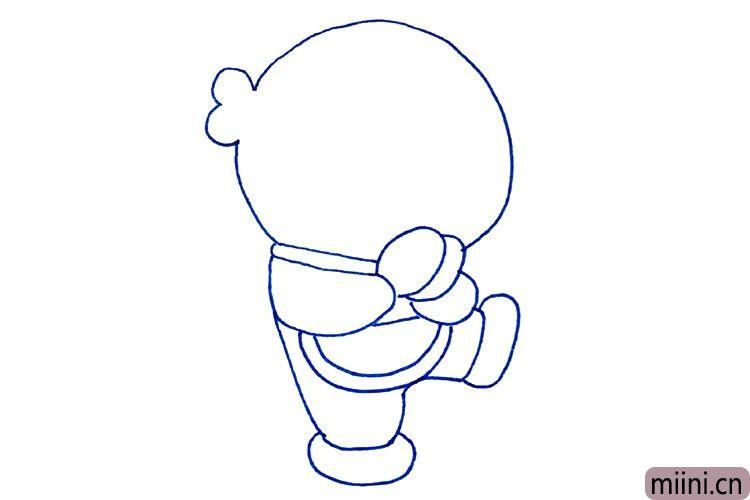 5.画哆啦A梦肚子前的包。