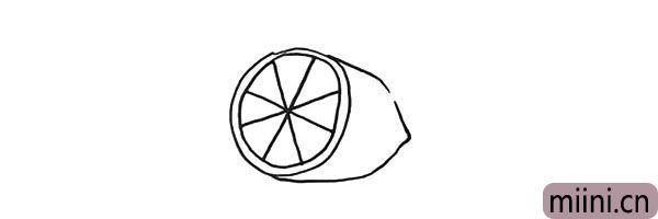 4.然后画出它的果肉.一个倾斜的米字型。