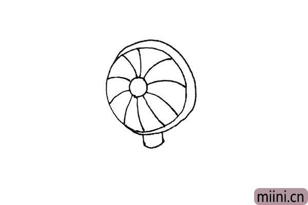 4.接着在下面画上两条竖线加上弧线。