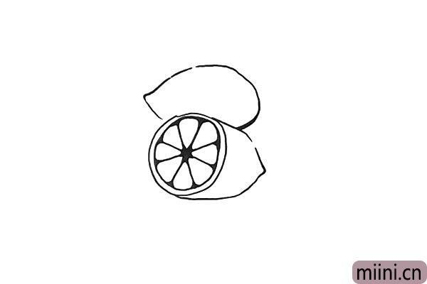 6.接着画出一个完整的柠檬.一个椭圆顶端略微尖一些。