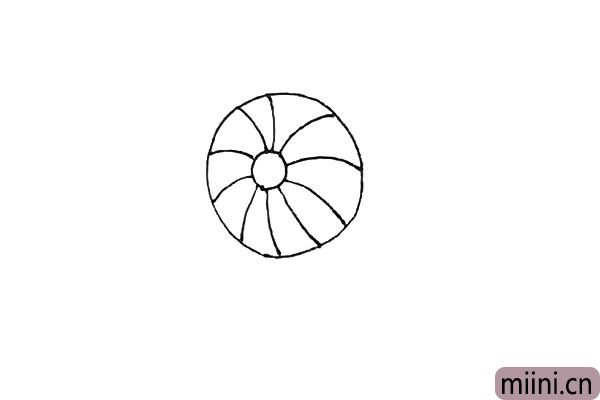 2.然后再画上一个大的圆形,用弧线连接小圆和大圆。