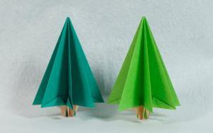 疫情期间,植树节无法出去,在家折纸一棵树也是很有意义的