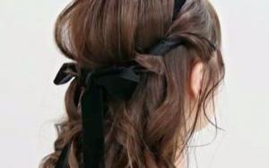 使用丝带编发,简单可爱的发型教程