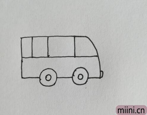 救护车简笔画04.jpg