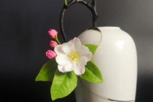 用树脂粘土制作一朵漂亮的海棠花