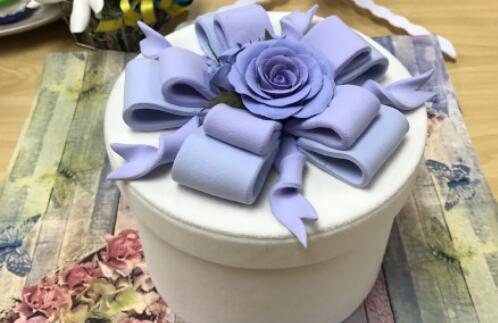 粘土礼物盒子的制作方法教程
