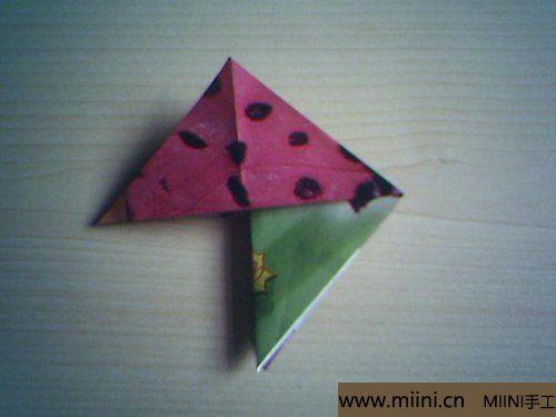 漂亮的折纸杯垫的折叠方法7