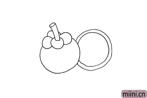 第四步.再画上一个切开的山竹.大圆里面画上一个小圆。