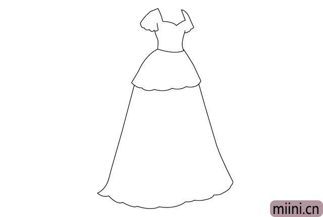 5.接着画出下面一层裙摆的轮廓线条。